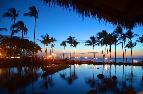 Maui-Sunset-Dining.jpg